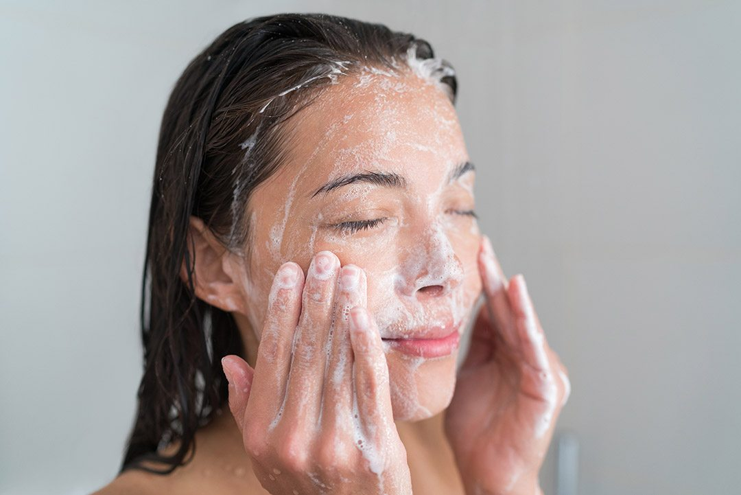 Facial Cleansing 101: The Why And How To Face Cleaning? 1