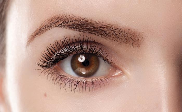 Eyelash Extensions and Remove Them
