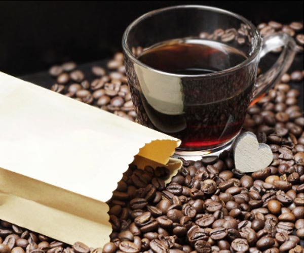 Coffee from Natural, Light-Roasted Coffee Beans